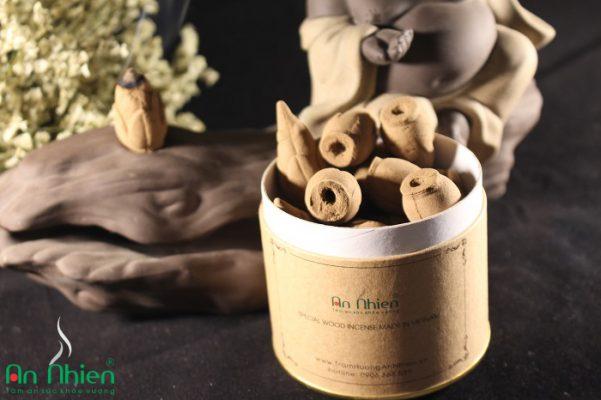 Nhang Trầm Hương Nụ - Mã N65.01được làm từ bột trầm hương nguyên chất 100%